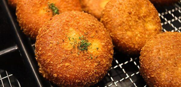パン粉を使用したカレーパン