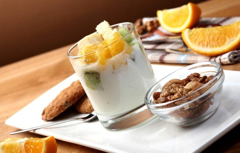 朝食のヨーグルト