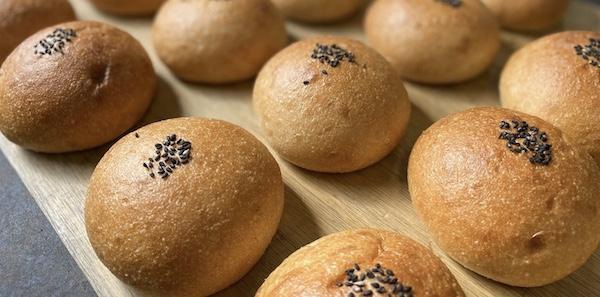 玄米ペーストパン やまびこの郷のあんぱん
