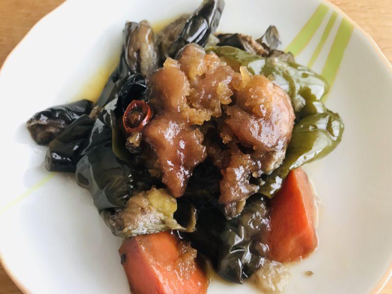 お惣菜おかわり 鶏肉となすのピリ辛炒めの中身