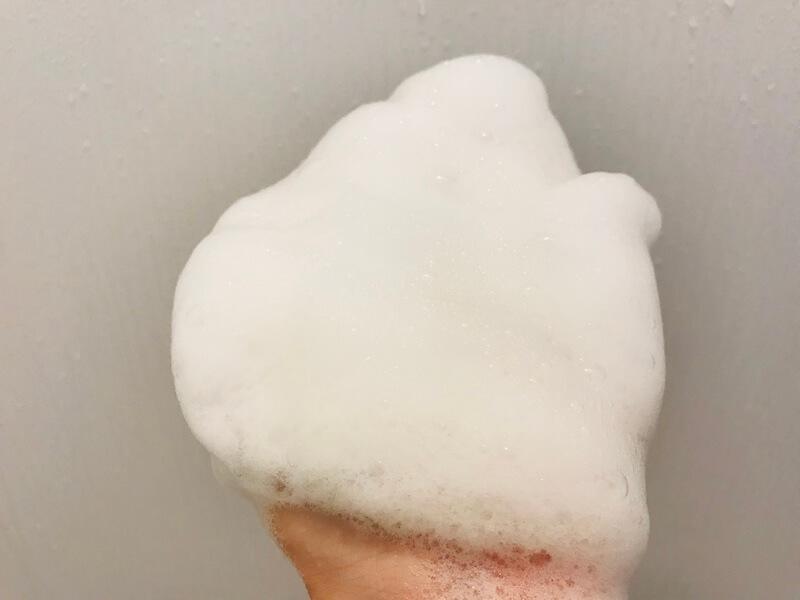 ハーブガーデンシャンプーの泡